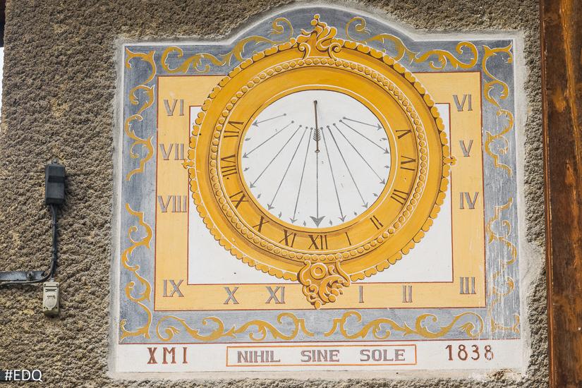 Cadran de la maison du Queyras d'Aiguille