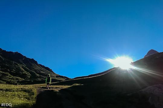 Dans la montée du Col Vieux au matin