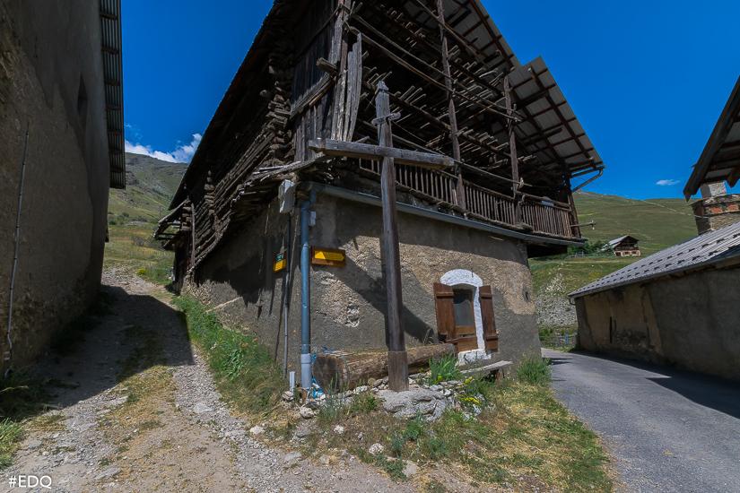 depart le coin vieux village
