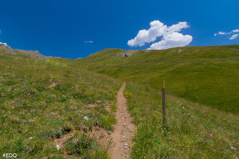 en route vers le clot du loup via vallons et prairies