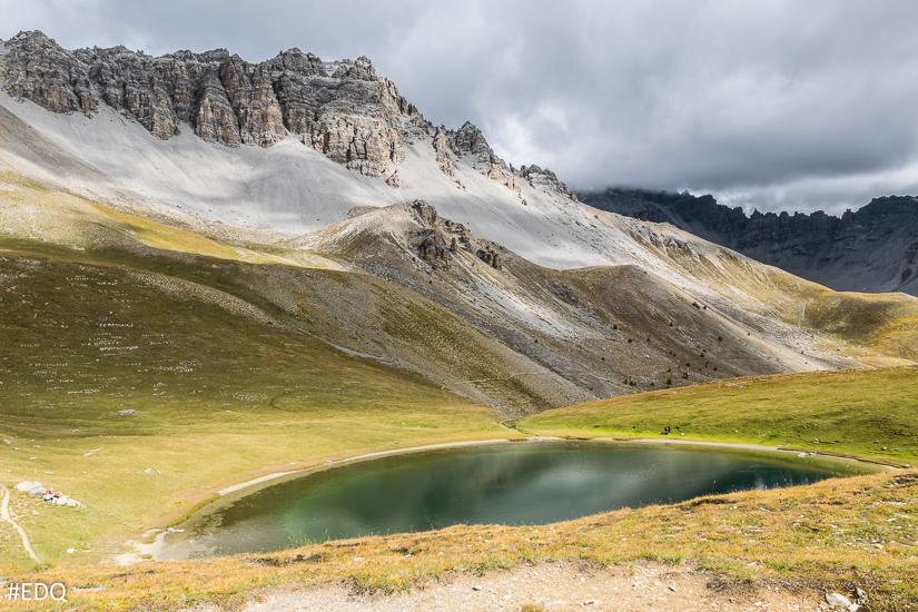 Vue sur Crêtes de Soubeyrane depuis le lac de Souliers