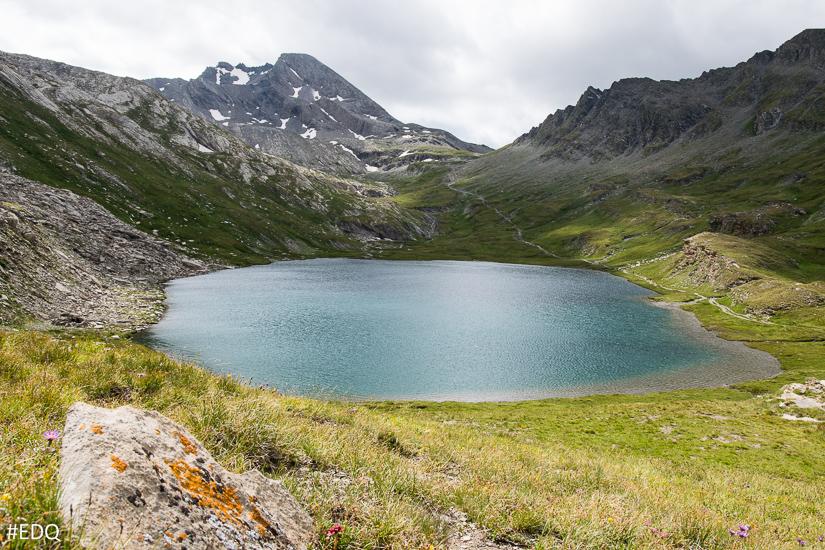 Le lac Foreant face au Pain de Sucre