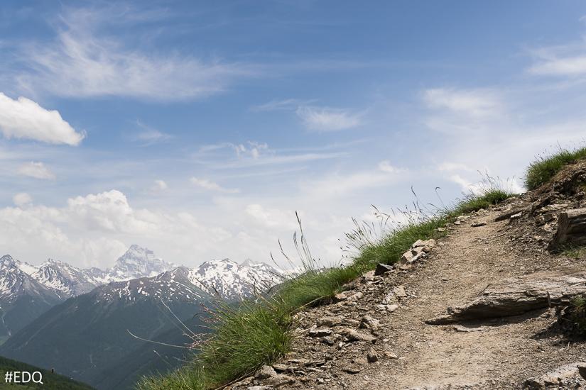 Vue sur le Mont-Viso depuis le sentier du Malrif