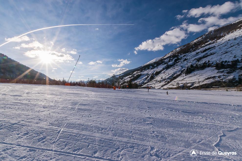 piste de ski aiguilles soleil fin de journee