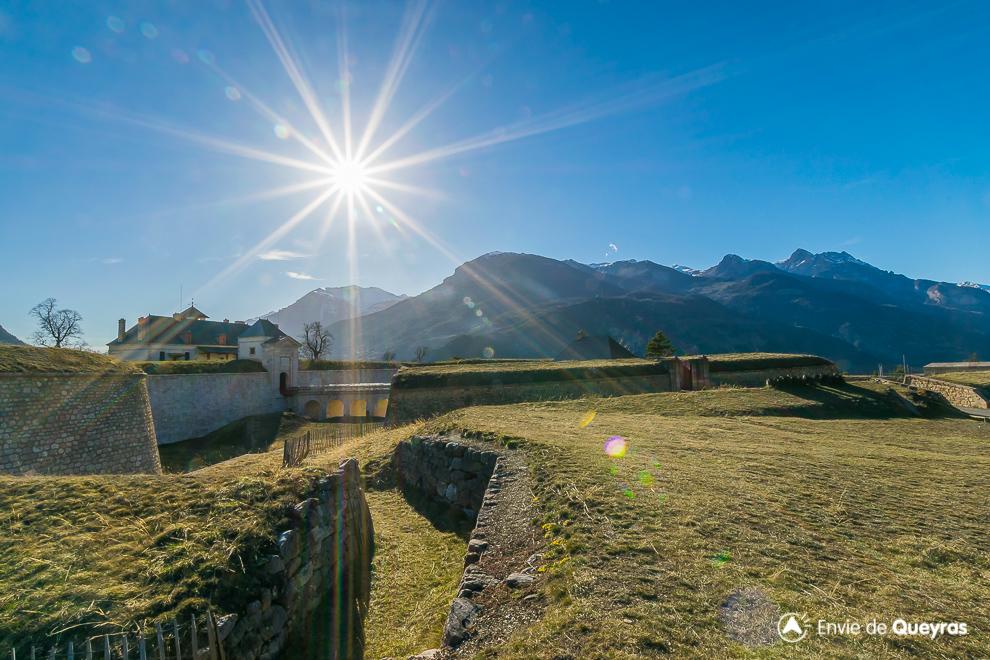 Place Forte de Mont-Dauphin (Guillestrois, Hautes-Alpes Alpes du Sud ... 235905893854