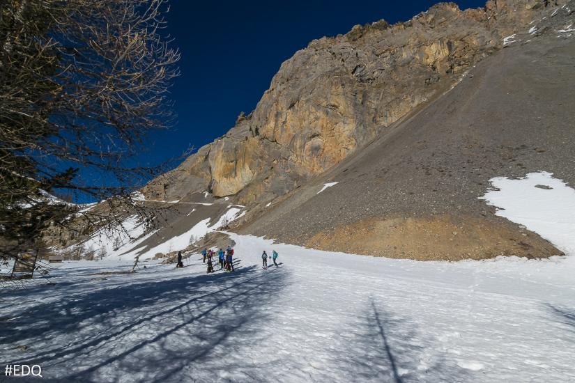 Départ des randonneurs en ski de rando