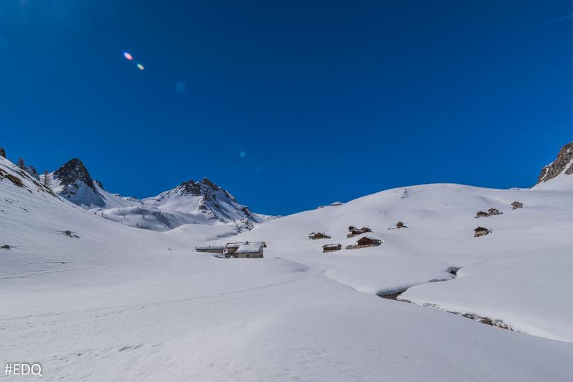 Les chalets de Clapeyto sous la neige