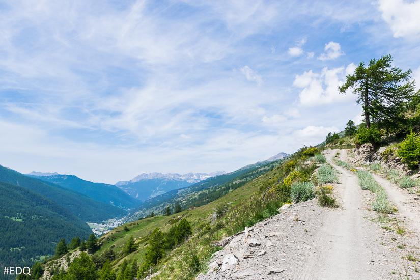 Sur la route forestière au dessus du hameau du Villard