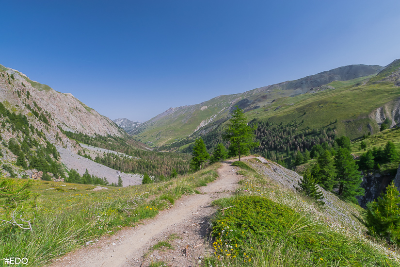 vue sur vallee cristillan depuis sentier de clausis