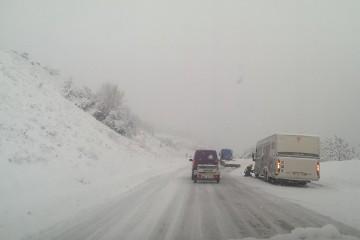 Panique sur les routes des Hautes-Alpes : chutes de neige et circulation !