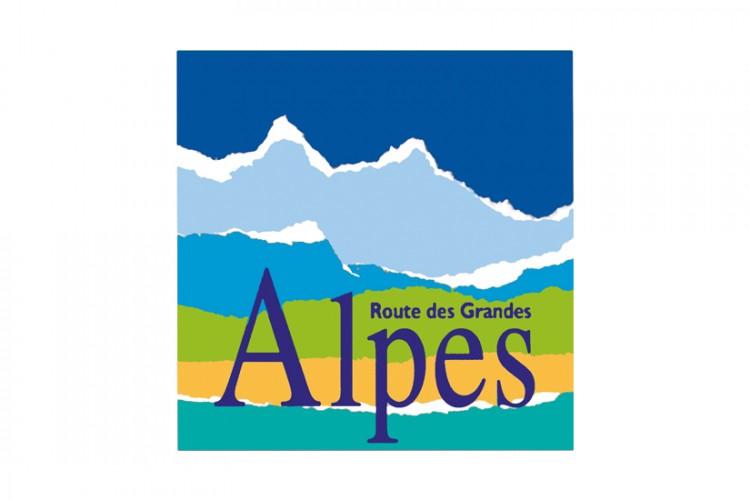 La Route des Grandes Alpes passe par le Queyras Guillestrois