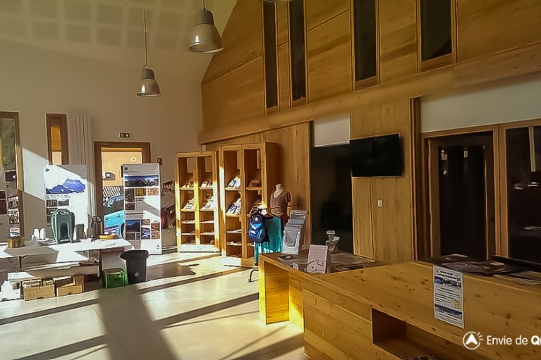 le point accueil du nouvel office de tourisme du queyras