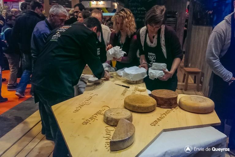 plateau de fromage en cours de preparation